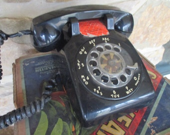 Vintage ITT Desk Telephone - 1970s - Classic Black - As Is