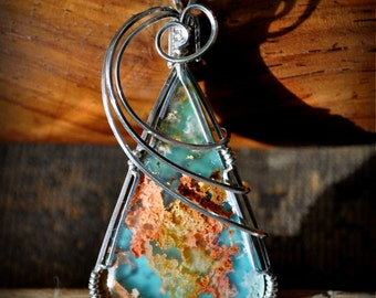 R2  REGENCY PLUME agate turquoise doublet pendant wire sculpted wearable art sterling wire