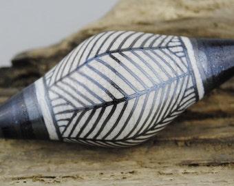 Alive Glass -  Sandstone / Silver Plum - Bicone - Linear