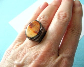 Navajo Spiny Oyster and Sterling Wide Band Ring Signed E KEE