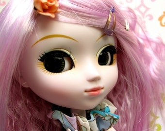 Dolly Box Subscription - for Blythe, Byul, Pullip, or Dal Dolls - October 2016 Edition