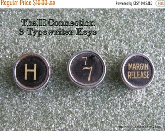 ON SALE Vintage 1940's Typewriter Keys, Remington 3 Keys, H, 7, Margin Release for Charms Art Jewelry  crafts antique retro 40's jeweler sup