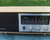 Vintage Panasonic AM FM Radio  Model RE-6283C Made In Japan Excellent condition