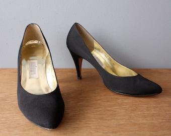 vintage i magnin shoes 7.5 / black pumps / grosgrain heels