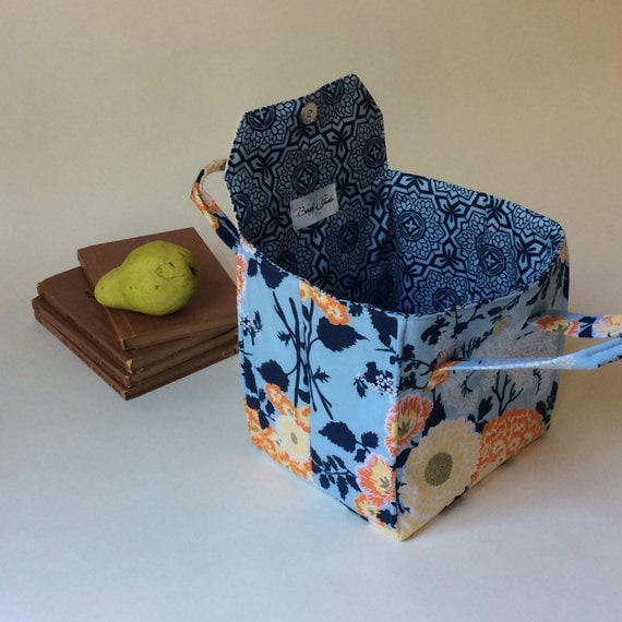 insulated lunch bag in large orange and blue floral bento. Black Bedroom Furniture Sets. Home Design Ideas