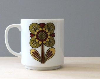 Folk art Flower. Vintage 1970s stoneware mug.