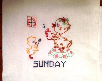 Embroidered Days of the Week towels, Mama duck & ducklings, set of 7, machine embroidery, vintage pattern