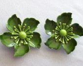Vintage Earrings, Vintage Green Enamel Earrings, Vintage Clip Flower Earrings, Green Enamel Earrings