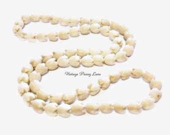 Vintage Ivory Plastic Tulip Bead Necklace