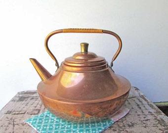 Vintage 1970's Copper Aladdin's Lamp Shape Tea Kettle with Swing Handle, Copper Kettle, Copper Tea Pot, Vintage Copper, Kitchen Cookware