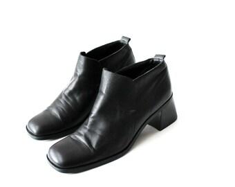 1990's Minimal Black Chelsea Ankle Boots