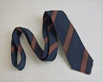 Vintage HANDWOVEN Navy/Caramel Stripe 100% WOOL Skinny Tie 1888 Shop made in USA FiNE