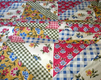 Vintage Quilt Fabric Flowers Checkered