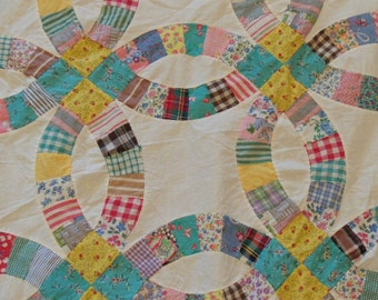 """Vintage 1930's Double Wedding Ring Quilt Top. Hand Pieced. 82""""x94"""""""