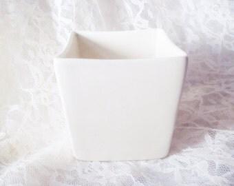 Vintage Haeger Pottery Planter - Minimalist Home Decor - Creamy Off White Planter