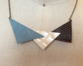 Leather trio triangles necklace
