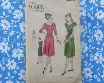 1940s Vintage Vogue Sewing Pattern 3045 Juniors Ladies Dress Bust 30 1/2
