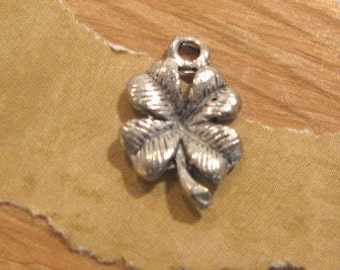 Four Leaf Clover Charm by Quest Beads and Cast - 1 Count