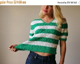 ON SALE 1980s Kelly Stripe Sweater~Size Medium to Large
