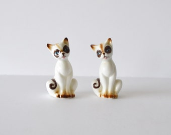 Cat Salt And Pepper Shakers Siamese Cats Kitchen Decor Kitchen Collectibles  Cat Shakers