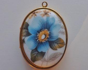 """Large vintage locket pendant blue gold floral flower 1.5x2"""""""