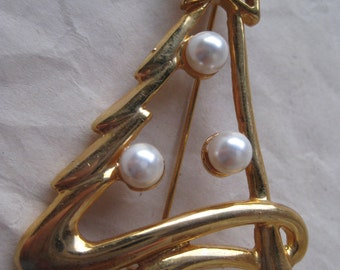 Christmas Tree Pearl Gold Brooch Vintage Pin
