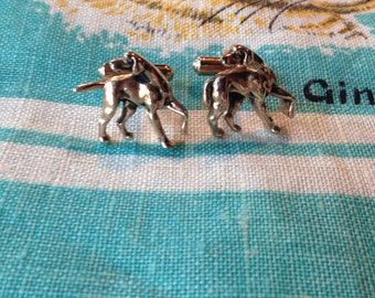 Vintage Hickok Pointer Retriever cuff links. Gold tone.