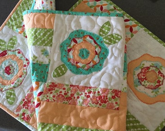 Quilted CABBAGE ROSE Table Runner . .. Applique Design . . . Summer Sherbet Colors . . . Summer Table Decor