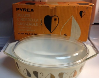 Vintage Pyrex Golden Hearts 045 1958 Promotional Casserole in Original Box
