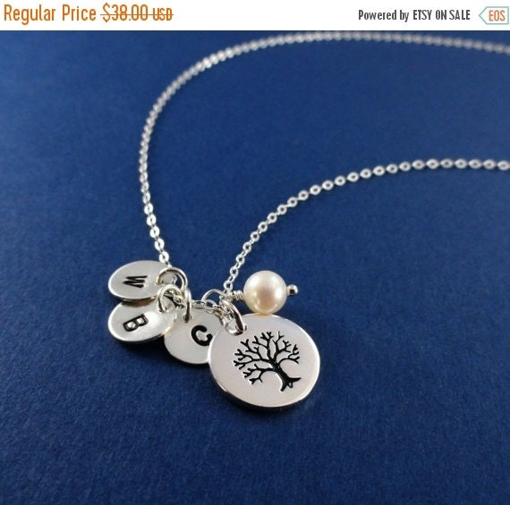 2-DAY 20% OFF SALE Family Tree Necklace, Sterling silver Mothers necklace, mothers day gift, Grandmother Necklace, mother of the groom gift,