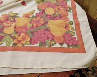 B Lovely Fall, Autumn Tablecloth, Creamy White Background with Fruits, Gold, Burgundy, Green, 80 x 60,