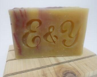 100 personalized Wedding Favor Soaps - Wedding Favors Rustic - ecofriendly Wedding Favor Soap - palm oil free - vegan cold process soap