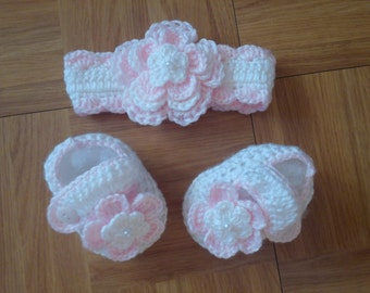 Crochet Baby Girl Handmade,Headband, Booties, photo prop,hairbow 10001 MADE TO ORDER