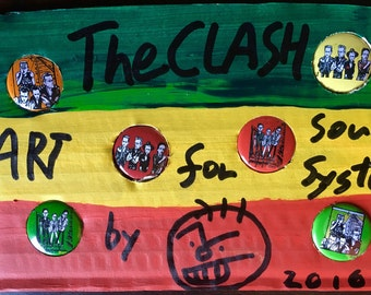 6 button badges of the Clash
