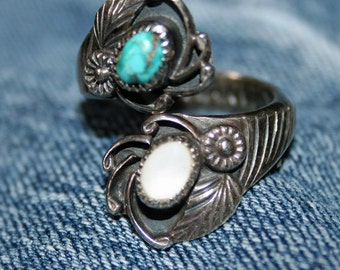Vintage Native American Ring Silver E Harvey Turquoise MOP Size 8