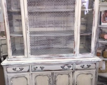 French Provincial Hutch with Metal Grate Door