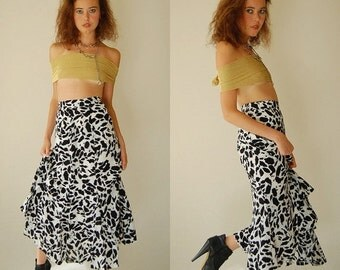 SALE SALE Graphic Skirt Vintage Black and White Abstract Graphic High Waist Indie Boho Skirt (s)