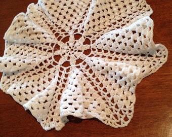 "Sale Item, Vintage round doily, crocheted doily, white doily, 9"""