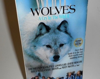 White Wolves A Cry In The Wild 2 Vintage VHS Mark Paul Gosselaar Teenage Mountain Adventure