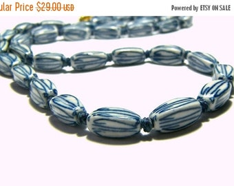 WinterSale Vintage Asian Ceramic Porcelian Bead Knotted Necklace Etsy Gifts Vintage Jewelry White Necklace Blue Beaded Jewelry Knotted Jewel
