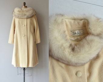 Lilli Ann coat | vintage 1960s fox collar coat | cream wool 50s fur collar coat