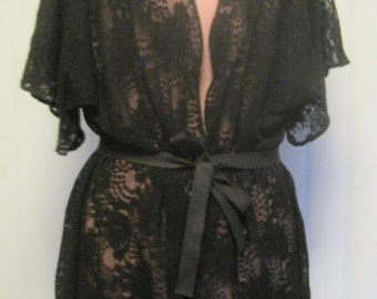 Lovely and Romantic Black Dahlia Lace Kimono Cardigan Robe with Scalloped Hem