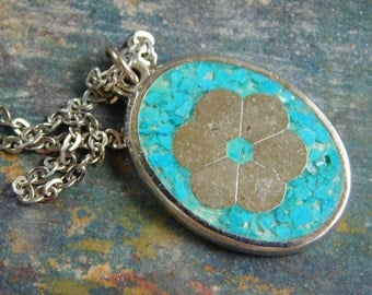 """Pick 1 - Vintage 1970s Hippie Peace Daisy , Silver Flower Green or Blue Turquoise Inlay Pendant Necklace 16"""" Chain, on original retail card"""