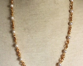 NAPIER Necklace Signed Pearl Gold Tone Vintage