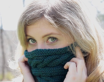 Knit cable cowl. Knit scarf. Knitwear. Green cowl. Knit neckwarmer.