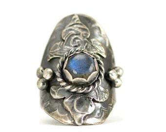 Sterling Saddle Ring - Labradorite Shield Ring - Boho Statement Ring