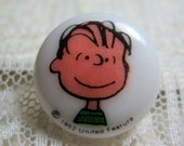 SALE Linus Plastic Sewing Button, Snoopy and Peanuts Gang Cartoon / Comic