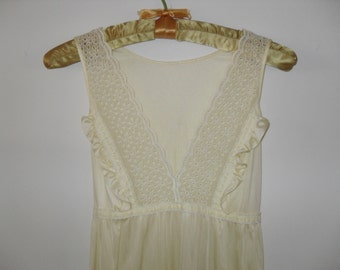 Vintage 70s Gilead Long Yellow Nightgown and Matching Robe Set, Size Medium