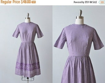 SALE Vintage 1950s Purple Gingham Dress / 50s  Dress / Casual Dress / Short Sleeves / Size Small