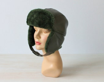 Winter Hat with Ear Flaps / Trapper Hat / Vintage 1970s / Faux Fur / Forrest Green
